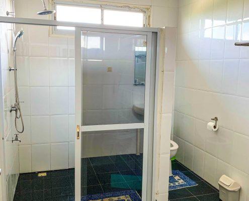 Vakantiehuis-Suriname-Agila-Bad-Toilet-Master-bedroom