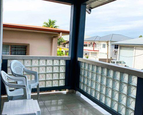 Vakantiehuis-Suriname-Agila-Balkon boven