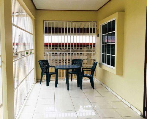 Vakantiehuis-Suriname-Juarez-Balkon