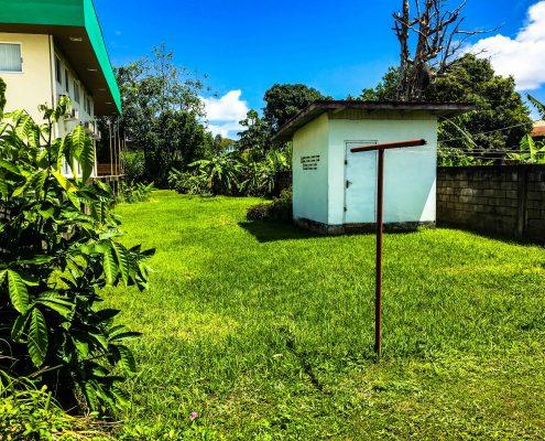 Vakantiehuis-Suriname-Parima-Achtertuin