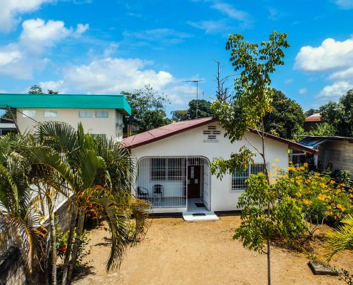 Vakantiehuis-Suriname-Parima-Buiten