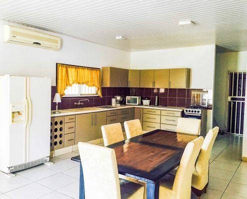 Vakantiehuis-Suriname-Tulip-Keuken-2
