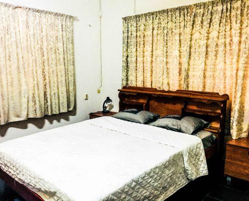Vakantiehuis-suriname-tropical-garden-Slaapkamer-2